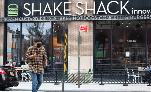 汉堡连锁店称最近一季度销售额增长后Shake Shack的股票上涨6%