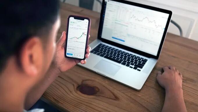 Zoom股票可能是一个不错的选择 投资者应该等待更好的价格