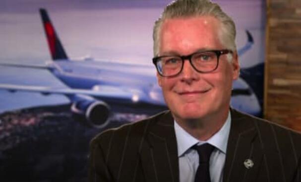 达美航空首席执行官埃德·巴斯蒂安在艰难时期改变首席执行官的角色