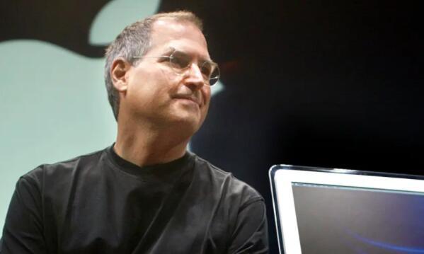 比尔·盖茨曾帮助史蒂夫·乔布斯向苹果投资1.5亿美元