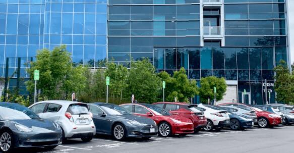 为了鼓励电动汽车的采用 充电应廉价且普遍存在
