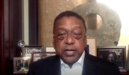 罗伯特·约翰逊说公司将认真对待黑人工人否则会严重影响他们的股票