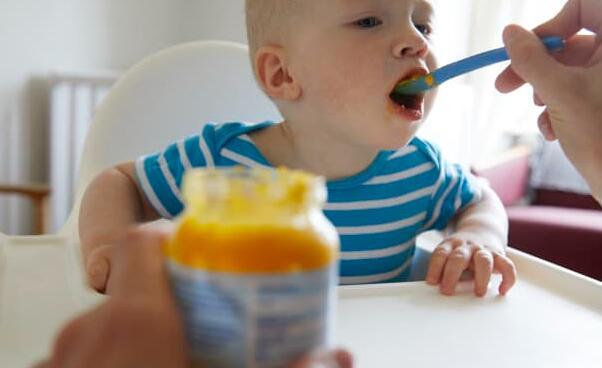 在调查发现高水平后民主党人敦促FDA监管婴儿食品中的有毒金属