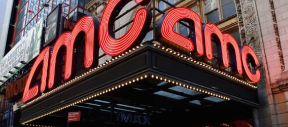 州长纽瑟姆说洛杉矶的电影院可能最快在周六重新开放