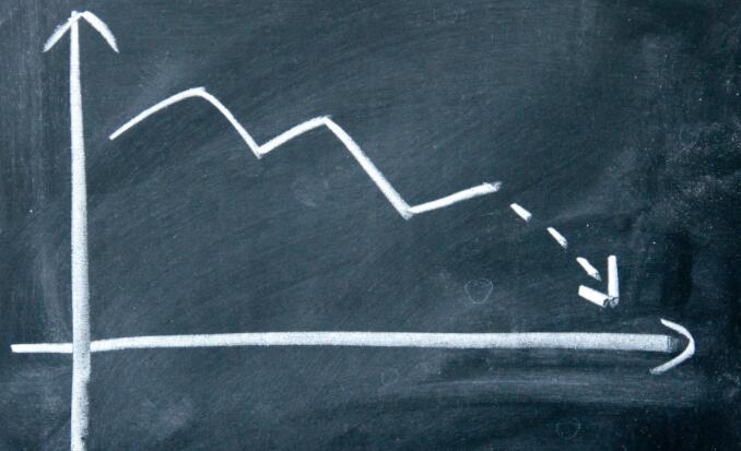 该公司最近在股市上的挣扎仍在继续