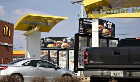 麦当劳正在芝加哥10家餐厅测试自动得来速点餐