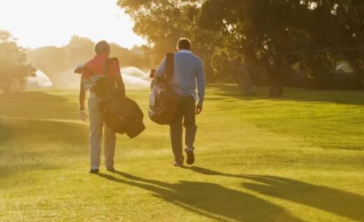 2021年最值得购买的三支高尔夫股票是什么