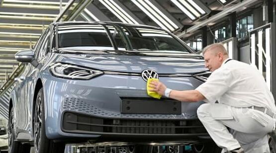 大众汽车希望到2030年其汽车销量的一半是电动的