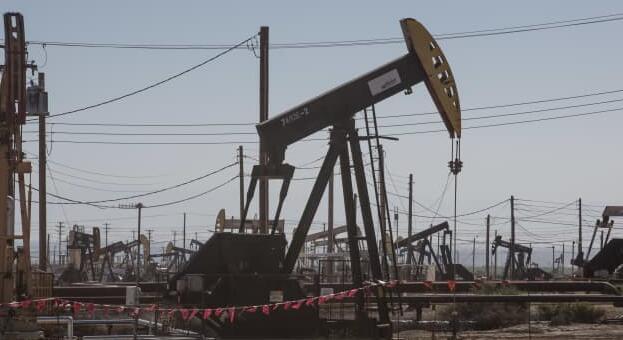 随着欧佩克准备提高产量 美国石油价格下跌多达8%至70美元以下