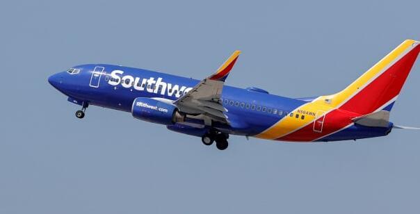 西南航空公司警告说当前局势变种正在损害预订降低前景