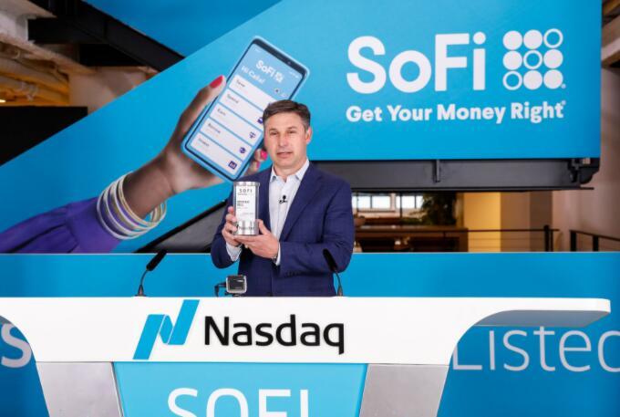 SoFi的收益暴跌是一个买入机会