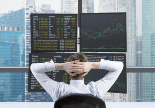 每个投资者都应该关注的2只股票