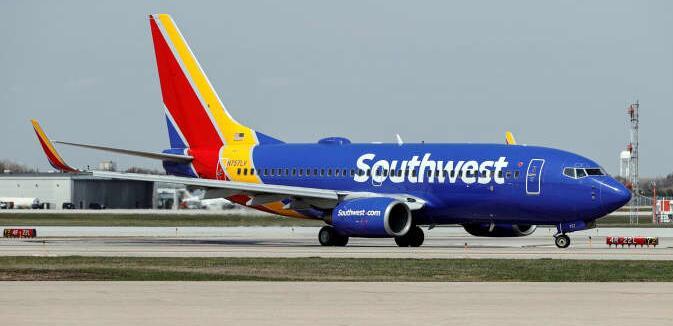 西南航空权衡时间表变化 在抱怨夏季艰苦后向员工道歉