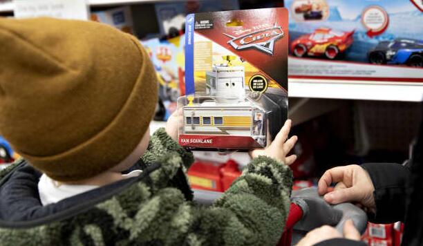 随着假期的临近 目标在商店中增加100多家迪士尼商店
