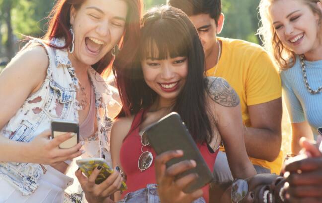 与领先的社交媒体平台的主要合作伙伴关系让投资者兴奋不已