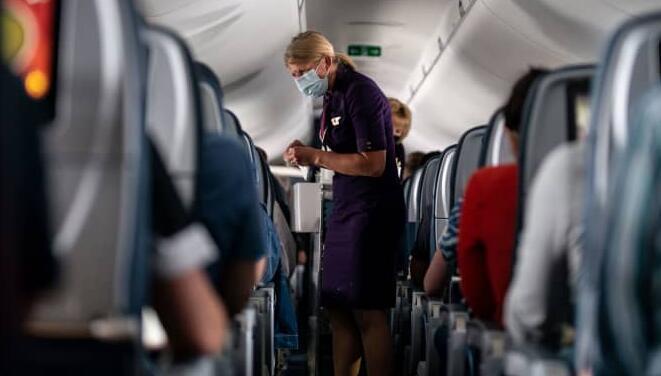 达美航空每月将未接种疫苗的员工的健康保险费提高200美元
