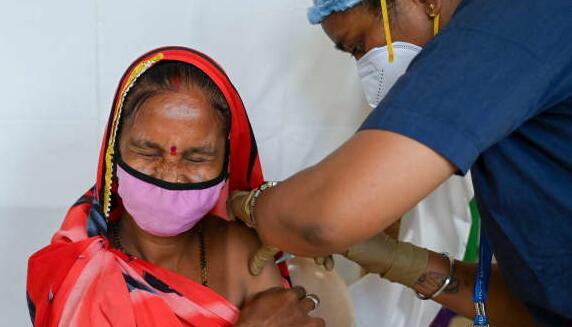 报告发现疫苗不平等可能使全球经济损失数万亿美元
