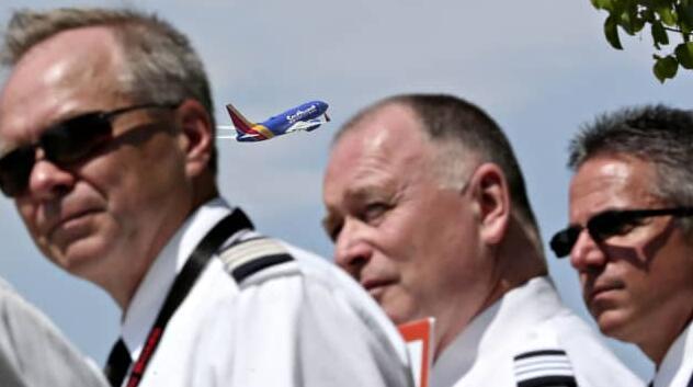 西南飞行员工会就当前局势旅行不景气期间工作规则的变化起诉航空公司