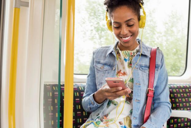 Spotify股价本周上涨12.4% 该公司正在与竞争对手苹果公司对抗