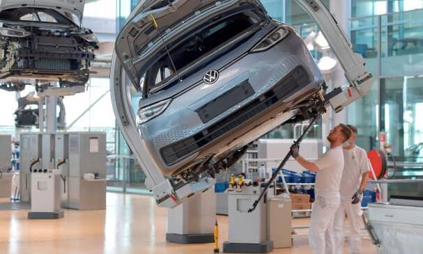 主要汽车制造商担心全球芯片短缺可能会持续一段时间