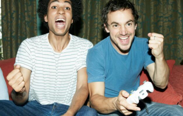 花59.99美元购买电子游戏 你可以投资电子游戏机制造商微软
