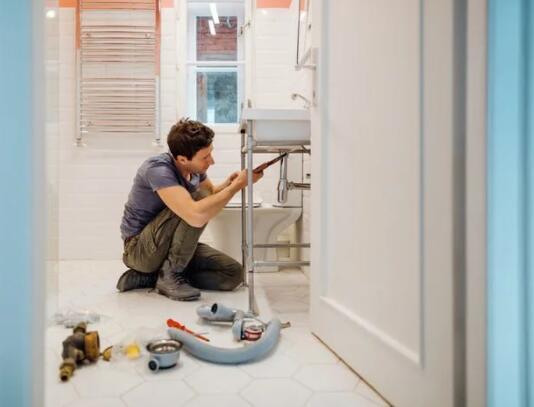 房屋维修随时可能出现但这个技巧帮助我降低了账单