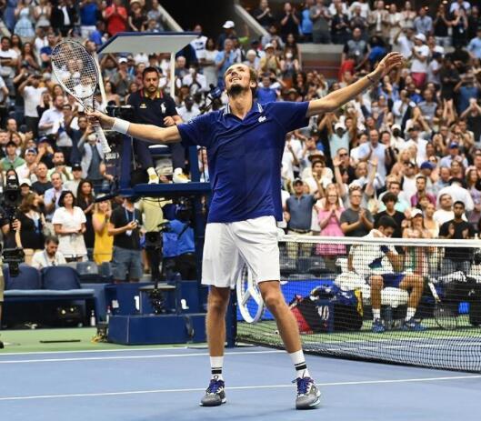 丹尼尔·梅德韦杰夫终结了诺瓦克·德约科维奇对日历大满贯和第21个大满贯赛的希望