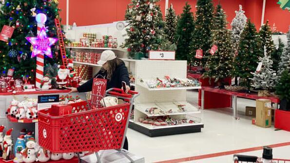 Target的假期招聘计划对零售商的劳动力市场有何看法