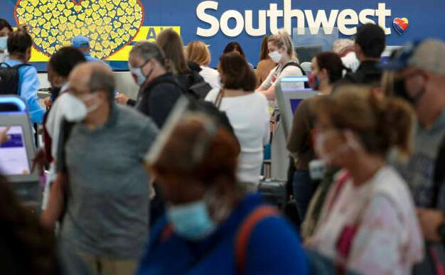 大规模航班取消后西南航空股价暴跌 承运人考虑进一步削减